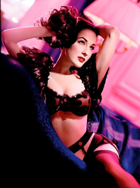 dita-von-teese-new-wonderbra-design