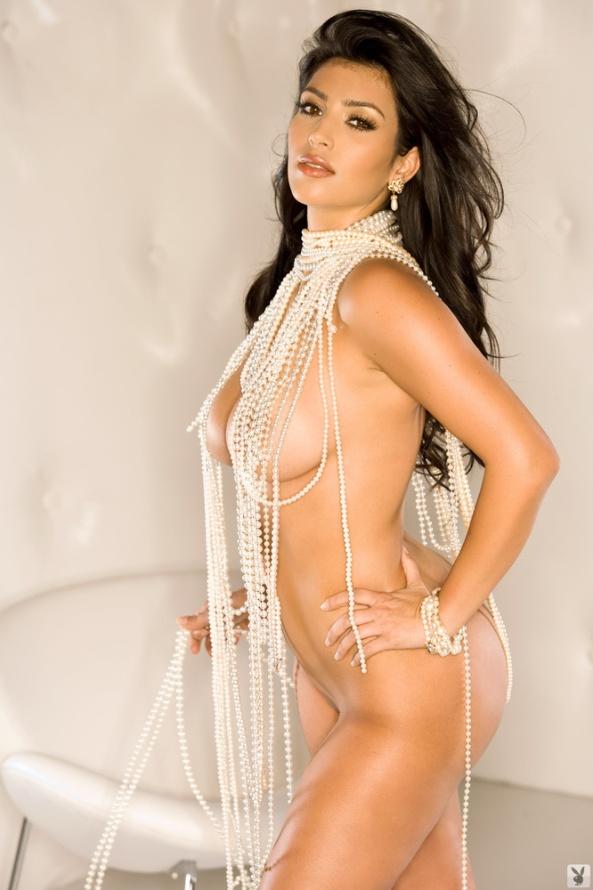 has kim kardashian posed nude