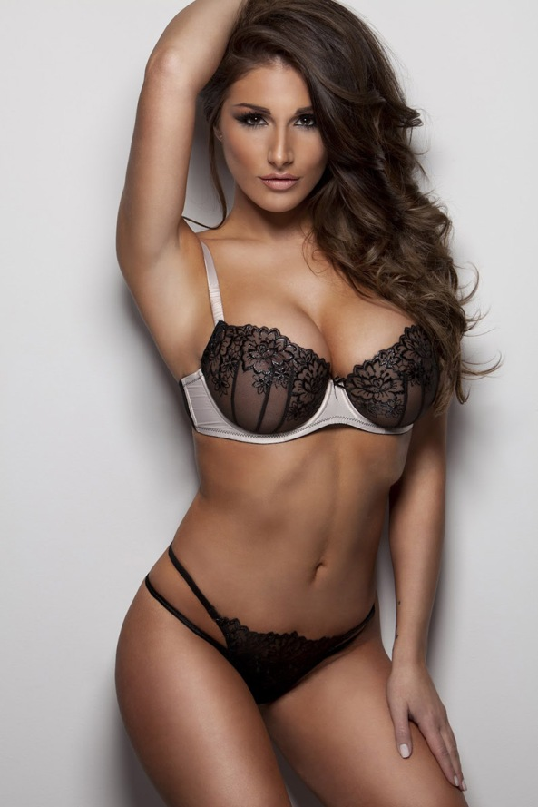 Lucy_Pinder_Picture13