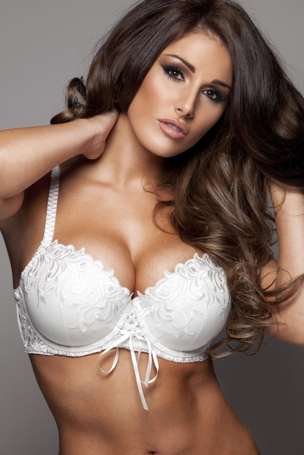 Lucy_Pinder_Picture2