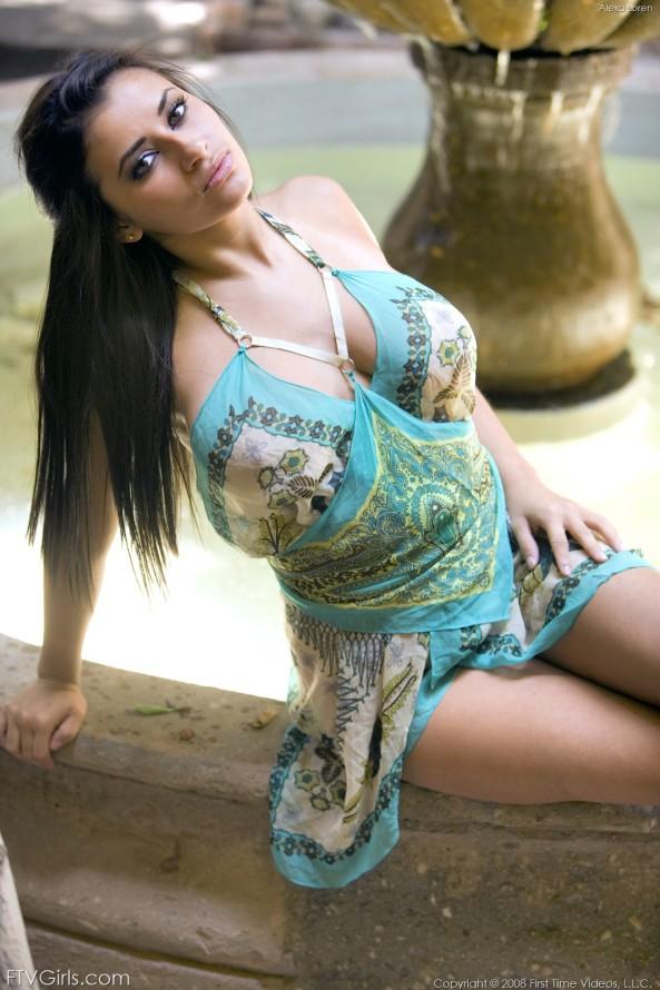 Alexa Loren13