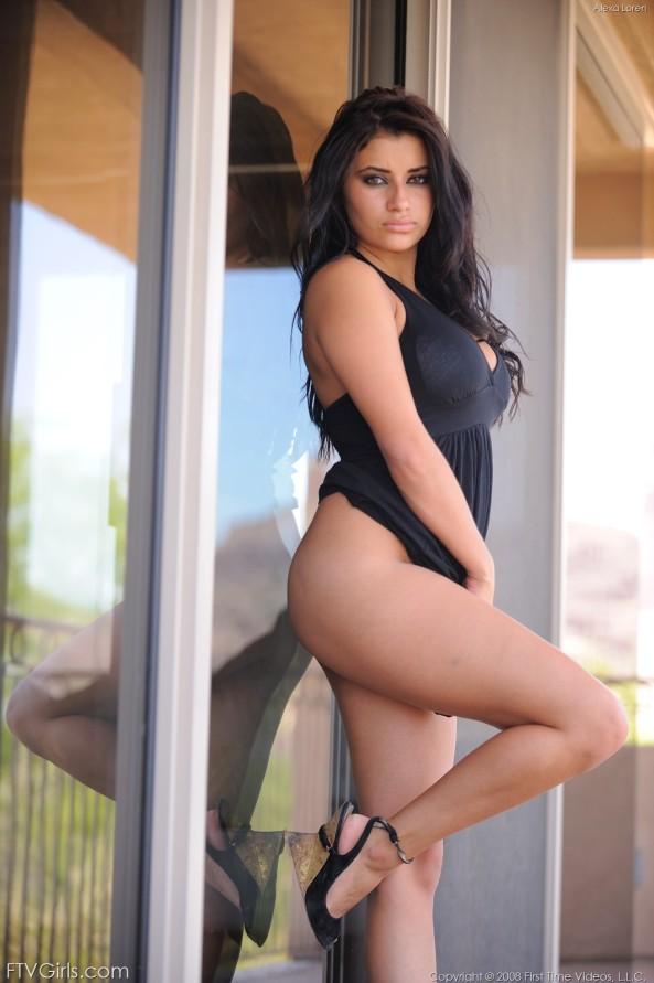 Alexa Loren18
