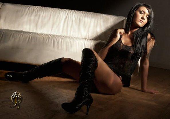 Lisa Zee8