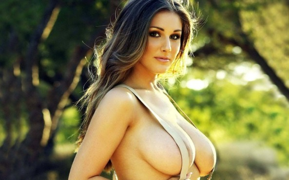 lucy pinder0
