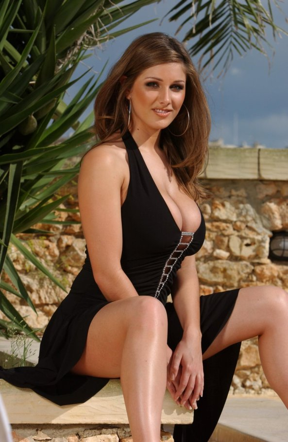 lucy_pinder_01