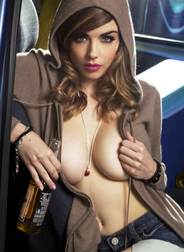 Danielle-Sharp-7
