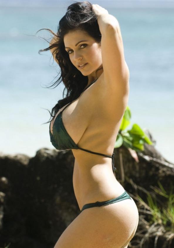 Denise Milani05