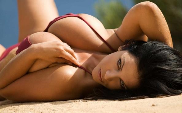 Denise Milani29