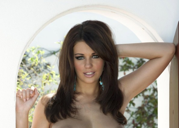 Holly Peers14
