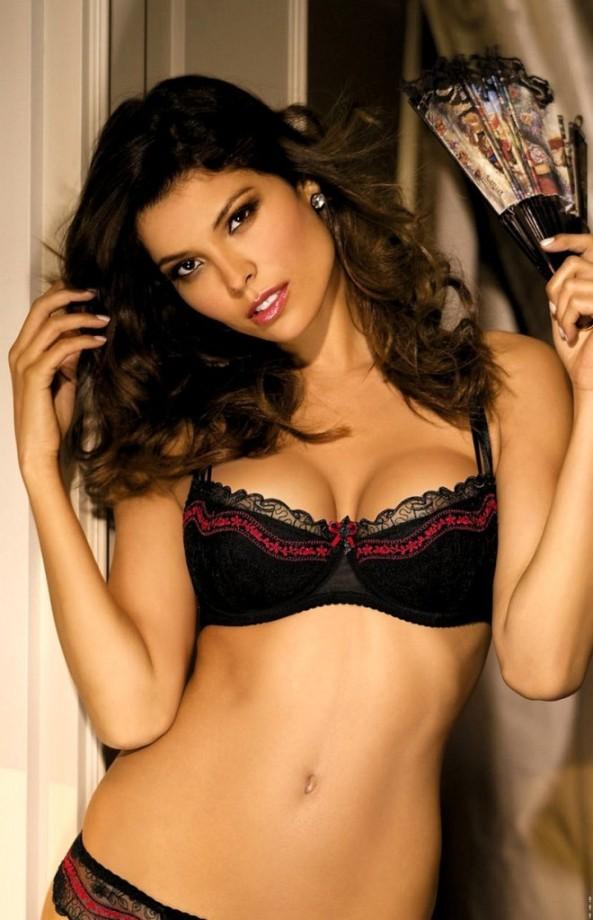 Analu-Campos-gorteks-lingerie-31-660x1024
