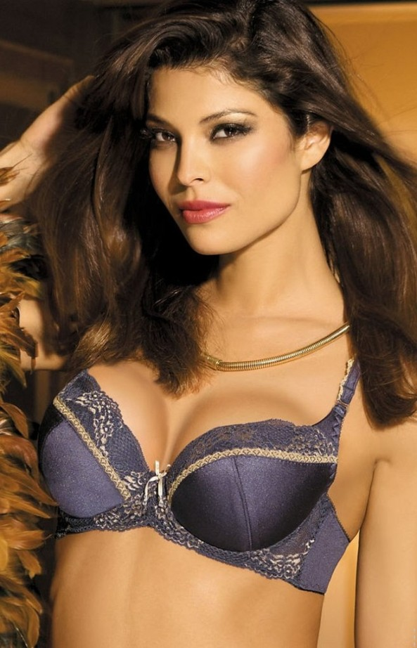 Analu-Campos-gorteks-lingerie-35-658x1024