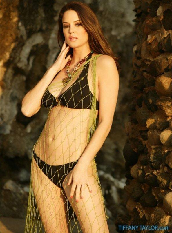 Tiffany Taylor+0