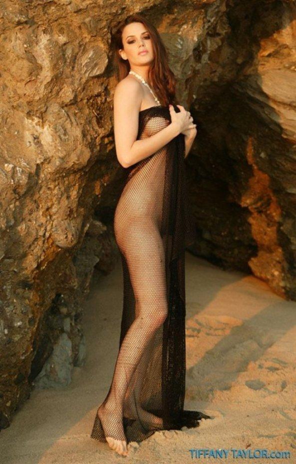 Tiffany Taylor+32