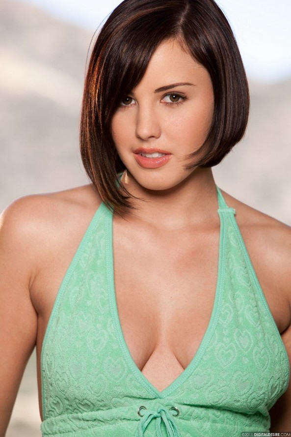 Brooke Lee Adams bursts out of her green dress 02